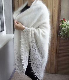 Тёплая вязаная шаль из белого козьего пуха, ручной работы http://www.livemaster.ru/item/12158289-aksessuary-480-shal-sneg-snezhok-puhovyj