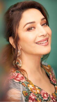 10 Most Beautiful Women, Beautiful Girl Indian, Most Beautiful Indian Actress, South Indian Actress Photo, Indian Actress Pics, Bollywood Stars, Bollywood Fashion, Bollywood Bikini, Beautiful Bollywood Actress