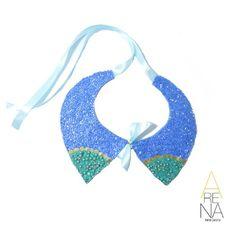 Hoy martes de mucho sol combina tu outfit con este espectacular collar tipo cuello en color azul y turquesa. Llevalo con un vestido de hombros descubierto o cuello redondo. Con Arena te enamoras del color... Te gusta? contactamos al 04161703728 en Venezuela y al 3044426072 en Colombia o a nuestro correo ✉arenabyastrid@gmail.com #handmade #chic #trendy #necklace #blue #casual #outfit #diseñandoconamor #accesorios #collar #moda #instamoda #instafashion #cuello Recuerda participar en nuestro…