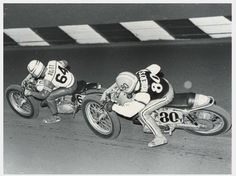Gary Scott #64R and Kenny Roberts #80Y