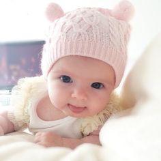 Bebe so Cute So Cute Baby, Baby Kind, Cute Kids, Cute Babies, Baby Baby, Baby Girls, Beautiful Children, Beautiful Babies, Little Babies