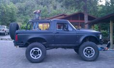 Built 1996 Ford Bronco - The Black Pearl - 408 stroker, atlas, spyderlocks, ProRock - : and Off-Road Forum Bronco Truck, Bronco Ii, 4x4 Trucks, Ford Trucks, Rc Drift Cars, Super Cool Stuff, Classic Ford Broncos, K5 Blazer, Trailers For Sale
