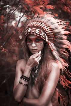 IN STOCK. Autumn vibes and Halloween inspo at the same time. Find your feather headdress at Novum Crafts www.indianheaddress.com