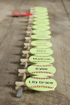 Keep your dugout in order with this softball/baseball line up tool. Use it to keep the players informed of their place in the batting order as well as a reminder who is up at the beginning of each inning. Dugout Mom, Softball Dugout, Softball Coach Gifts, Softball Cheers, Softball Crafts, Softball Pitching, Softball Quotes, Softball Shirts, Girls Softball