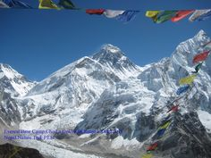 expedition route to the mt Everest through Sherpa villages the popular