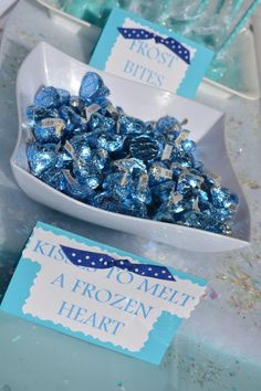 How to Prep the Ultimate Frozen Themed Birthday Party - Prep and Shine - Jennifer LO - Birthday Party Frozen Birthday Decorations, Frozen Party Food, Elsa Birthday Party, Frozen Themed Birthday Party, Disney Frozen Birthday, Birthday Party Themes, 5th Birthday, Olaf Party, Birthday Ideas