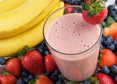Start your morning off right with a healthy breakfast, like this delicious blend of banana, strawberries, blueberries and peanut butter (only 225 calories)!