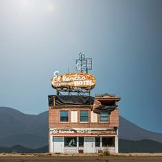 "lazypacific:  ""photo by Ed Freeman  """