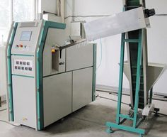 Buy a full automatic bottle blow molding machine at price of semi-automatic machine:   Our unique K-A1L full automatic blow molding machine is at a price close to semi-automatic ones. However, K-A1L's production speed is twice higher. With very high performance/cost ratio, we do believe that this compact machine, K-A1L, will catch your attention and appeal to you instantly. Our on-line video shows a set of K-A1L under test run at our factory:   http://youtu.be/zFbd8RVv1ZY