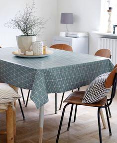 Voksdug st& bl& m grafisk m& Scandinavian Interior, Scandinavian Style, Oilcloth Tablecloth, Tablecloths, Small Dining Area, Kitchen Interior, Home Art, Interior Inspiration, Decor Styles