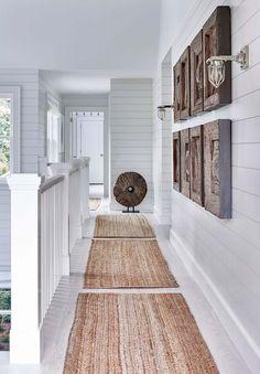 Elegant White Beach House Ideas 024