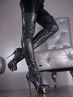fear-and-loathing-in-latex:   Sexy sequin thigh boots