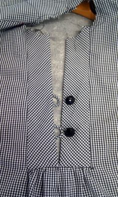 The answer to my zipper dilemma ... rouleau loops and buttons!