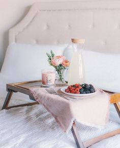 An intoxicating garden of fragrant heirloom roses in a sleek jar with a peel off label. Mothers Day Decor, Mother's Day Photos, 28th Birthday, Candle Diffuser, Rose Decor, Bed Linen Sets, Holiday Pictures, Home Comforts, Spring Has Sprung