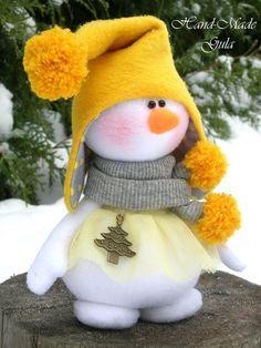 Primitive Adorable Snowmen Ornaments E-Pattern - Ornanment E-Pattern - Primitive Christmas Snowman E-Pattern - Country Snowman Patternanother great find on zulily flower snowmen couple figurine by ziabella zulilyfinds - PIPicStats Sock Snowman, Cute Snowman, Snowman Crafts, Christmas Projects, Felt Crafts, Holiday Crafts, Christmas Makes, Felt Christmas, Christmas Snowman