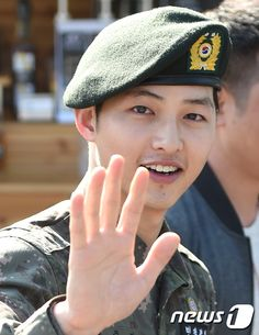 song Joong Ki discharged today from the Military, So HAPPY for him.....and us!!!!!