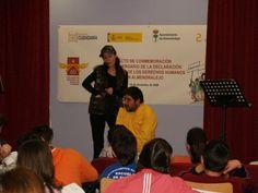 """2008-12-10 DD.HH. en Almendralejo. Taller dramatizado """"Los Derechos Torcidos"""""""