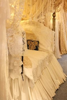 I would love a bed skirt like this one for my master bedroom