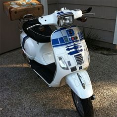 R2D2 vespa  I need this, I really really need this....please, Santa?  I've been good!