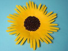 Sonnenblumen mit Handabdruck   Basteln & Gestalten Fun Crafts For Kids, More Fun, Cool Kids, Most Beautiful Pictures, Presents, Fall, Diana, Cool Crafts For Kids, Gifts