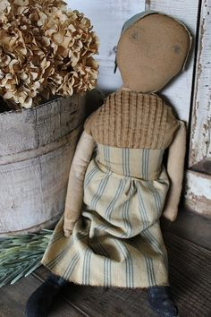 cinnamon creek dry goods | HANDMADE | FLOSSIE She's as sweet as can be. Dressed in clothing made from vintage cloth. Handdrawn face. 19'' long 68.00 plus traveling fare SOLD