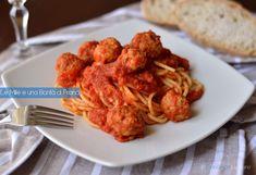 Gli spaghetti con le polpette sono il classico primo piatto della domenica della tradizione culinaria italiana. Sono semplici da preparare e buonissimi.