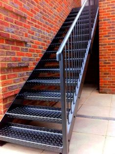 Staircase Metal, Staircase Outdoor, Balcony Railing Design, Home Stairs Design, Steel Stairs Design, Outside Stairs, Door Gate Design, Concrete Stairs, Exterior Stairs