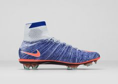Nike News - NIKE SOCCER UNVEILS ALL-NEW WOMEN'S CLEAT PACK FOR 2016