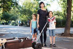Mama-Streetstyle aus Friedrichshain. Marie liebt es ganz in Schwarz zu sein: http://hauptstadtmutti.de/street-style-black-is-the-new-black/