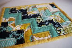 """Tutorial for making a """"mug rug""""..... this would be beautiful if I modified it, and made it into a baby quilt."""