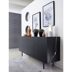 black does its justice like no other colour. We prepared a collection with personality, these sideboards will create an impact. Decoration Buffet, Deco Buffet, Home Room Design, Home Interior Design, House Design, Diy Room Decor, Bedroom Decor, Home Decor, Buffet Design