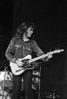 From a fan, for the fans: Some more photos of the Rory Gallagher-Sessions in Hamburg, 1971/1973 Copyright: Heinrich Klaffs Artikel unter: www.hklaffs.de