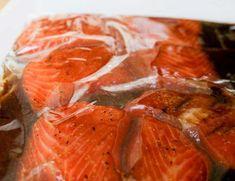 Une marinade absolument parfaite pour les filets de saumon et très facile à préparer… Crockpot Steak Recipes, Grilled Steak Recipes, Meat Recipes, Chicken Recipes, Cooking Recipes, Healthy Recipes, Grilled Steaks, Tilapia Fish Recipes, Recipes With Fish Sauce