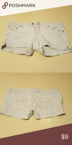Khaki shorts Gently used. No stains or problems. Pockets on front and back. max rave Shorts