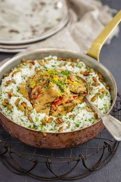 Risto Mikkolan broileririisi on superhelppo ja herkullinen ruoka Kale Recipes, Chicken Recipes, Cooking Recipes, Lunches And Dinners, Meals, Good Food, Yummy Food, Salty Foods, My Favorite Food
