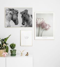 Photo art gold frames - Gallery wall inspiration - Wall art with posters and art prints. Find inspiration for your personal wall art with posters & art prints from Posterstore.se Spice up your living room or bedroom.
