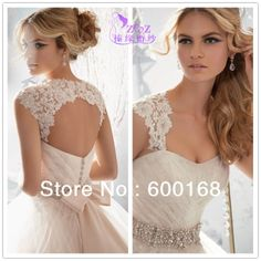 This strap attachment is so elegant. I am a big fan of this and it is a great way to alter a strapless dress for. Bride who prefers dresses with straps. Lace Wedding Dress With Sleeves, Custom Wedding Dress, Wedding Gowns, Dresses With Sleeves, Wedding Dress Bolero, Wedding Jacket, Dress Alterations, Strapless Gown, Bridal Dresses