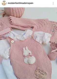 This Pin was discovered by Ümi Knitting For Kids, Baby Knitting Patterns, Baby Patterns, Crochet Patterns, Baby Girl Romper, Baby Dress, Baby Onesie, Toddler Girl Outfits, Baby Outfits
