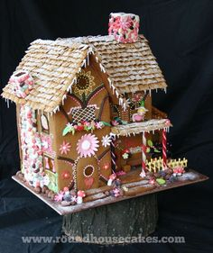 Christmas Gingerbread house this design would have been sooo much easier! Desc Christmas Gingerbread house this design would have been sooo much easier! Cool Gingerbread Houses, Gingerbread Village, Christmas Gingerbread House, Gingerbread Cookies, Gingerbread Decorations, Christmas Deserts, Christmas Treats, Christmas Cookies, Christmas Holidays