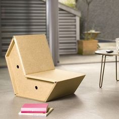 fauteuil design carton otto Simple et génial, pliable, empilable, customisable...