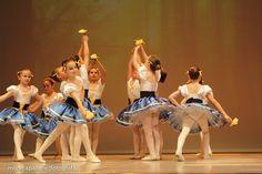 Fotografia di Danza Monica Palloni [fotografa] #tutù #passion #spettacolo #passione #photo #foto #danza #fun #divertimento #sorrisi #smile #happy #littledancers #ballerine #ballo #photographer #attimi #momenti #danceshow #monicapallonifotografa