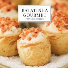A dica de hoje é quemgosta de receber seus convidados com uma entradinha inesquecível: receita da batatinha gourmet do querido chef de cozinha Wesley Mora