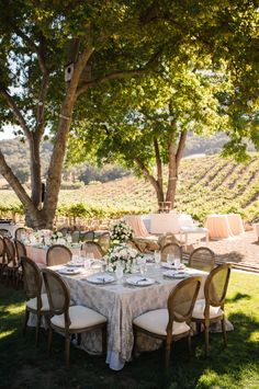 Sophisticated California vineyard wedding: http://www.stylemepretty.com/california-weddings/paso-robles/2016/03/26/sophisticated-vineyard-wedding-with-a-touch-of-glam/   Photography: Viera Photographics - http://vieraphotographics.com/