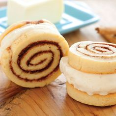 From crazy-sweet cinnamon roll treats to one insanely easy strawberry dessert, these ice cream sandw