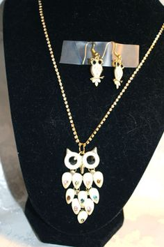 What a hoot these wonderful jeweled owls are. You can find them at http://artbymichelewilson.com/sellwhatahoot.htm