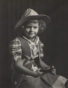 A immensely cute! #vintage #cowgirl #Western #child #portrait