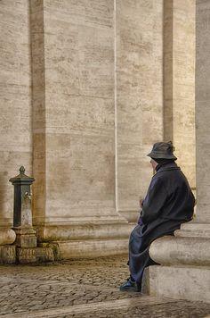 """Città del Vaticano, 2° riScatto urbano di Marco Moscato. Saranno conteggiati i """"Mi piace"""" al seguente post: https://www.facebook.com/photo.php?fbid=10206191028947277&set=o.170517139668080&type=3&theater"""