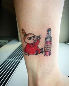 Lilla my tatuering. Little my moomin tattoo. Arrow Tattoos, Dog Tattoos, Mini Tattoos, Trendy Tattoos, Tattoos For Women, Sleeve Tattoos, Cat Tattoo, Moomin Tattoo, Little My Moomin