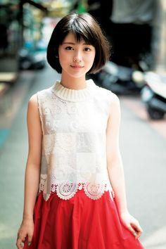 「浜辺美波写真集 voyage」中面 - 浜辺美波が写真集イベントに出席、17歳誕生日は「キミスイ」スタッフと焼肉 の画像ギャラリー 19枚目(全23枚) Japanese Beauty, Asian Beauty, Japanese Eyes, Girls In Love, Cute Girls, Kawai Japan, Ulzzang, Prity Girl, Cute Japanese Girl