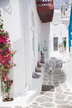 Greece Travel Inspiration - The Cobbled Streets of Mykonos, Greece